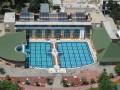 Heilbaden Ganzes Jahr stehen wir unseren Gästen mit zwei kristallklaren Heilbecken zur Verfügung. Diese Becken sichern das sorglose Baden mit ca. 5000 m2 Wasserfläche. Im Heilwasser empfehlen wir das Schwimmen...